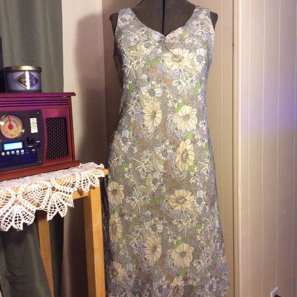 f01174f46c Dress Barn Dresses   Skirts - 💐Spring Floral Dress Barn Dress💐